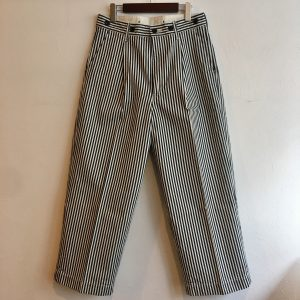 【H.UNIT】Hickory denim crown size tuck trouser
