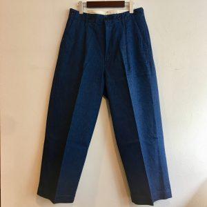 【H.UNIT】Denim crown size tuck trouser Lt.Indigo