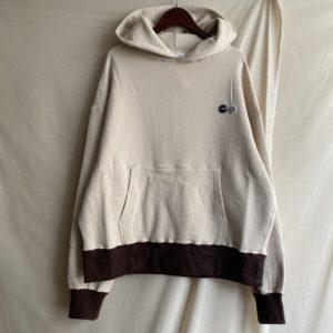 【H.UNIT】Raised back hoodie Ivory