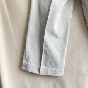 ワイドな裾幅